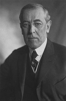 Thomas_Woodrow_Wilson,_Harris_&_Ewing_bw_photo_portrait,1919